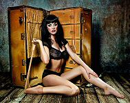 Robert Alvarado pinup photo of model Elly Brown